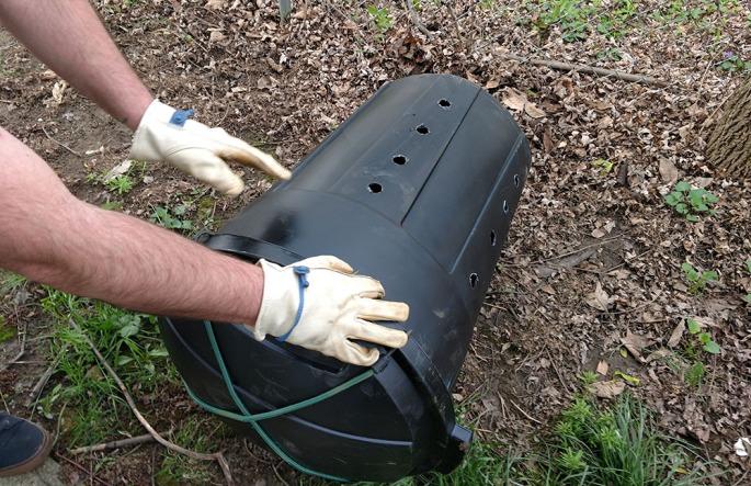 diy composter, make your own composter, trash can composter, trash bin composter, diy compost bin